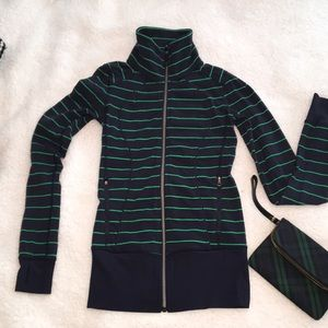 Lululemon jacket small zip thumb holes